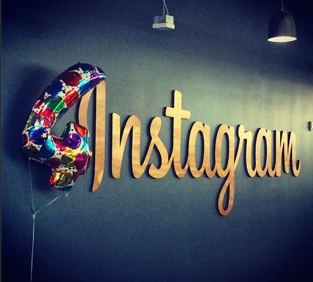 Instagram completa quatro anos em 2014