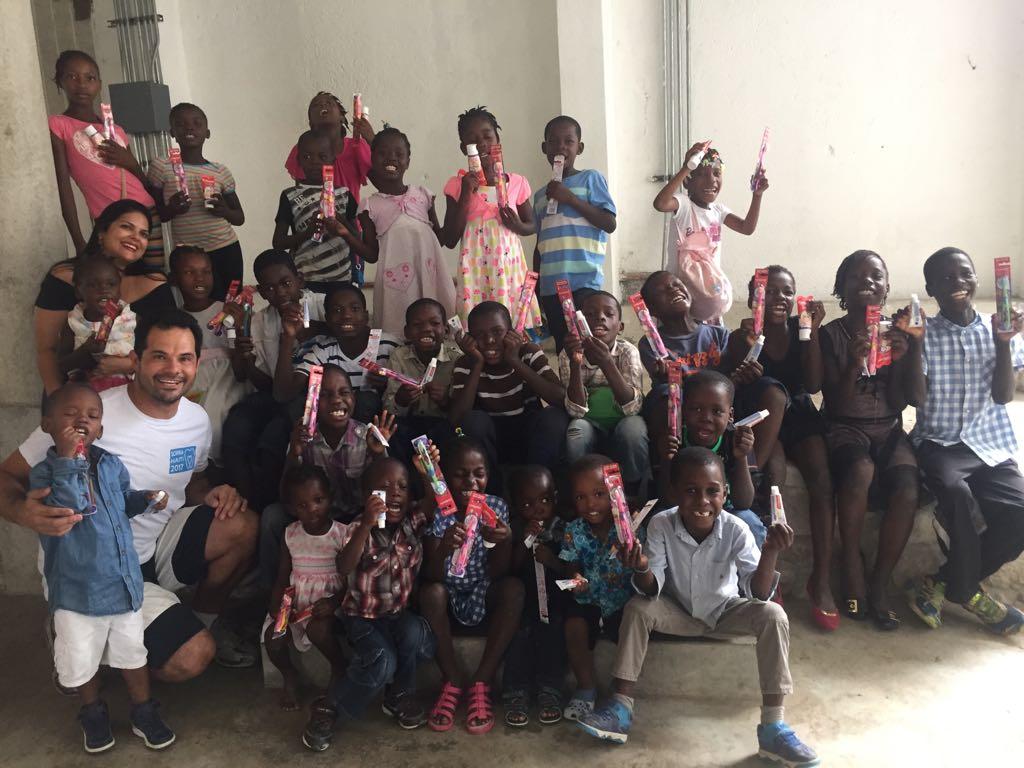 Dentista da Scalla Odonto, em Taubaté, realiza projeto social no Haiti