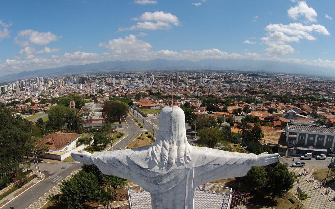 Altas Imagens, em Taubaté, é pioneira no Vale do Paraíba em imagens aéreas com drones